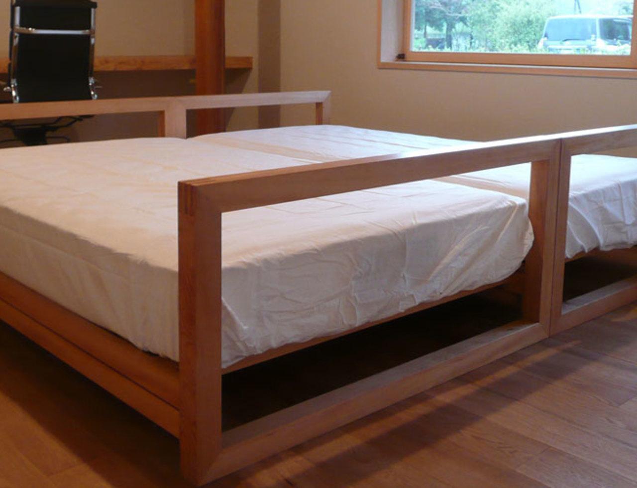 古民家主寝室のベッドのサムネイル