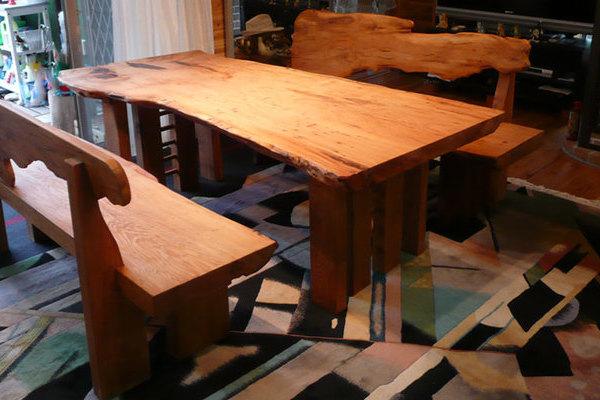 くつろげる高さの総屋久杉テーブルセット