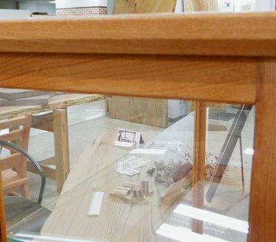 硝子棚のあるケヤキの人形ケースのサムネイル